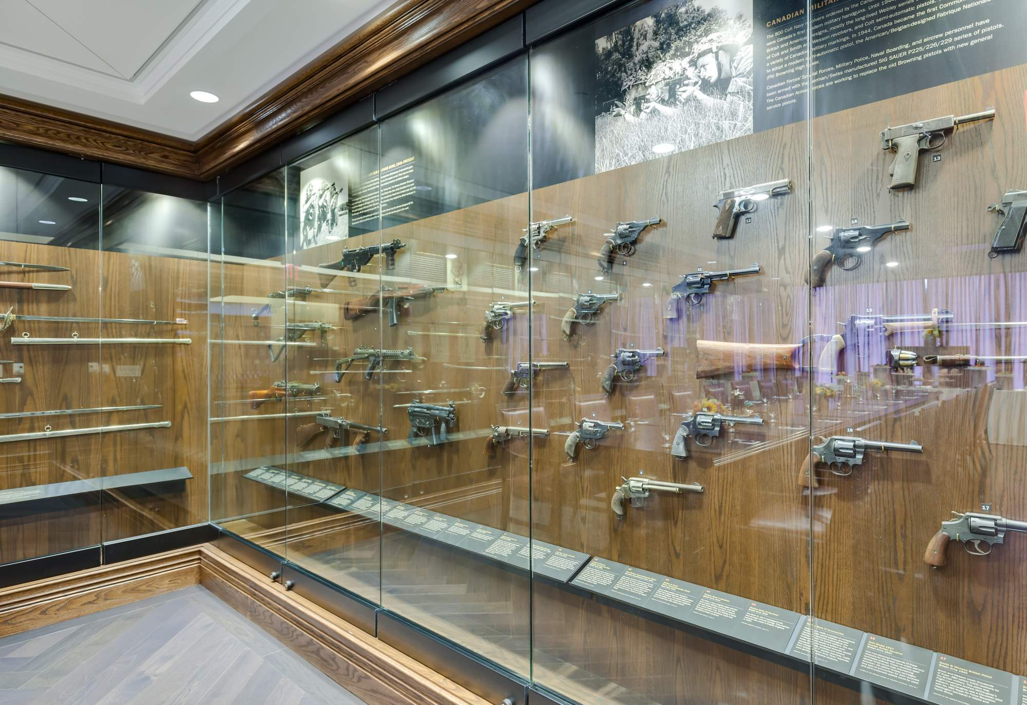 Sword_Pistol_Room_-_Pistols